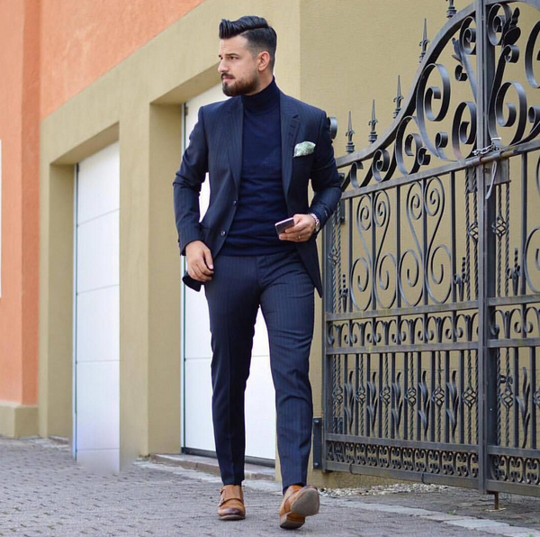 How To Wear A Navy Blue Blazer on Weekend